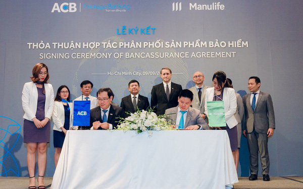 Manulife Việt Nam mở rộng hợp tác phân phối bảo hiểm qua ngân hàng với ACB