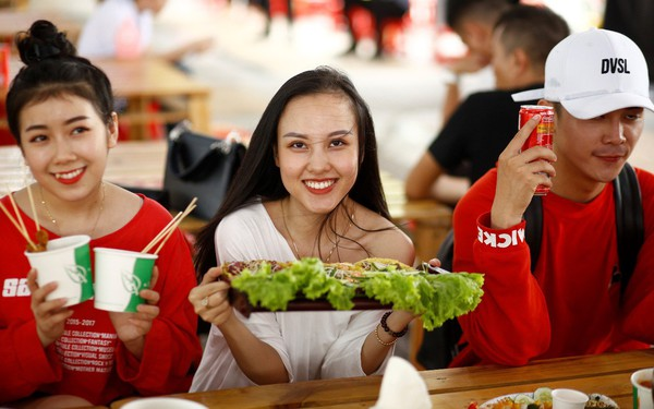 Mở rộng hoạt động tới tận thành phố Vinh, Coca-Cola biến Lễ hội Ẩm thực thành một xu hướng của giới trẻ cả nước