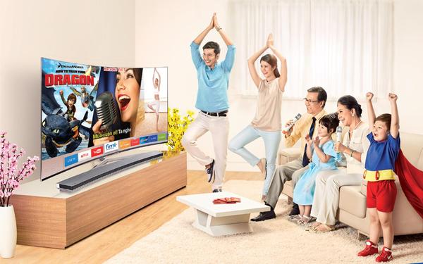 Smart TV: món quà thiết thực mà ý nghĩa dành tặng những người lớn tuổi