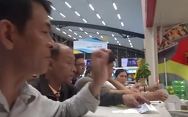 Đi Phú Bài lại hạ cánh Đà Nẵng, Vietjet hỗ trợ 100 ngàn về Huế khiến nhiều hành khách bức xúc