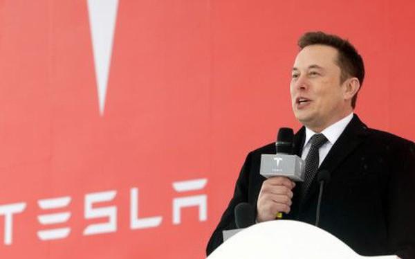 Tâm thư của Elon Musk nói gì về lý do tập đoàn đóng nhiều cửa hàng và giảm đáng kể nhân sự tiếp thị bán hàng?