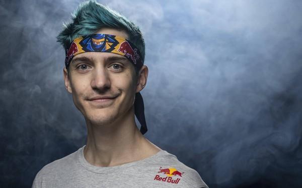 Chân dung streamer giàu nhất thế giới: 27 tuổi lọt top Forbes 30 Under 30, kiếm 500.000 USD/tháng nhờ chơi game trên giường ngủ