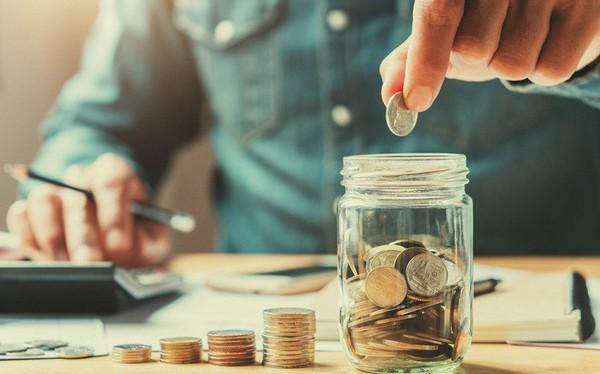 Bạn cần có bao nhiêu tiền tiết kiệm ở tuổi 30, 40, 50 để cuộc sống dễ thở? Đây là câu trả lời của chuyên gia tài chính