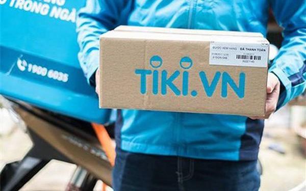 Cuộc chiến của các sàn TMĐT: Shopee vừa thu phí người bán, Tiki tuyên bố miễn phí 2 năm