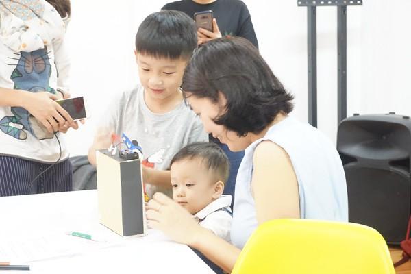 """STEM - Phương pháp học mới giúp con bạn trở thành """"thiên tài"""""""