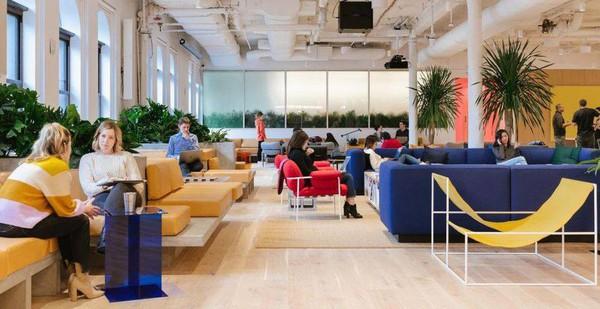 """WeWork : Bất chấp khoản lỗ tỉ USD, startup """"siêu kỳ lân"""" dẫn đầu trong lĩnh vực chia sẻ không gian làm việc đã dấn bước vào phố Wall"""