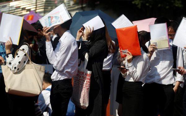 Không riêng Việt Nam, du học sinh cũng đang trở thành lao động mất giá tại Trung Quốc