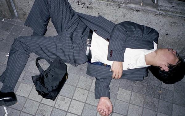 Chùm ảnh cho thấy văn hóa làm việc khắc nghiệt nhất thế giới của Nhật Bản