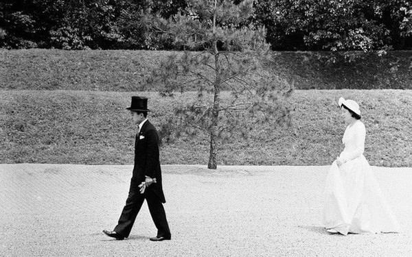 """Hoàng hậu phải """"đi sau 2 bước, nói ít hơn phu quân nửa lời"""" và những quy tắc nghiêm ngặt trong hoàng gia Nhật"""