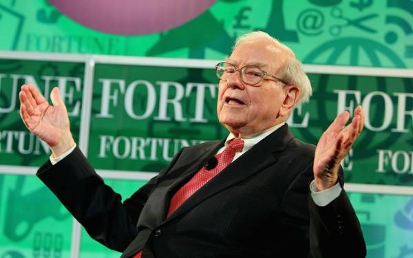 Độc chiêu của tỷ phú huyền thoại Warren Buffett: Dùng một dòng tiêu đề trên báo để ra quyết định đầu tư quan trọng!