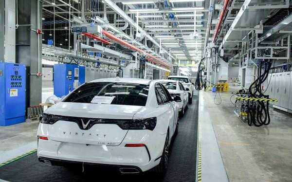 Hé lộ hình ảnh bên trong nhà máy sản xuất ô tô sắp khánh thành của VinFast