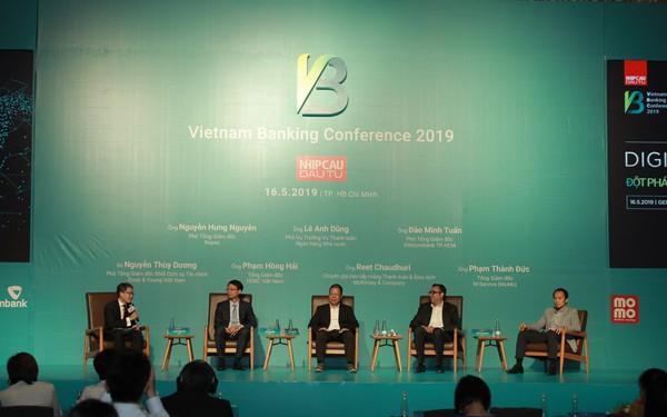 Chuyển đổi số trong ngành ngân hàng: Liên kết với Fintech để cùng thắng