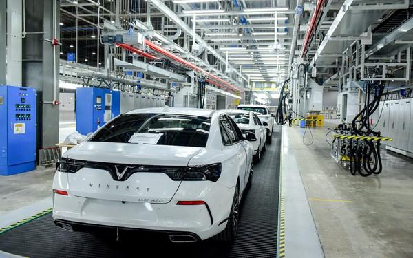 VinFast bắt đầu kiểm thử xe Lux, Fadil tại Việt Nam