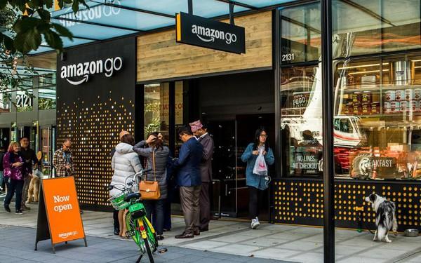 Không cần quét QR code, không cần thanh toán qua ứng dụng, công nghệ ở Amazon Go mới là đỉnh cao: Khách vào cửa hàng - chọn đồ - đi ra, thế là xong!