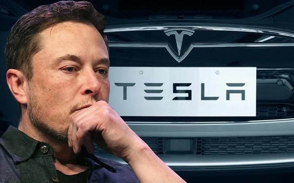 Chuyện gì đang xảy ra với Tesla? Thua lỗ triền miên, vốn hoá giảm gần một nửa chỉ trong vòng 6 tháng bất kể mọi nỗ lực của Elon Musk