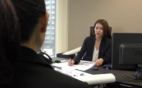 Nữ cử nhân vừa ra trường đi phỏng vấn đã gặp câu hỏi nhạy cảm 'Bạn nghĩ thế nào về việc kết hôn muộn và sinh con muộn?', nên trả lời ra sao?