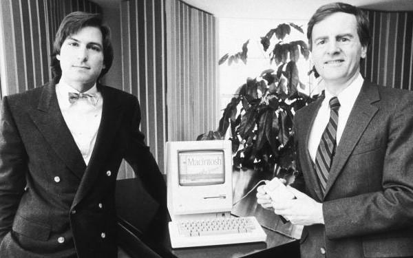 Cựu CEO Apple: Steve Jobs từng hỏi rằng tôi muốn bán nước ngọt cả đời hay cùng ông ấy thay đổi thế giới? Sống có mục đích chính là bí quyết thành công của Steve Jobs và Bill Gates