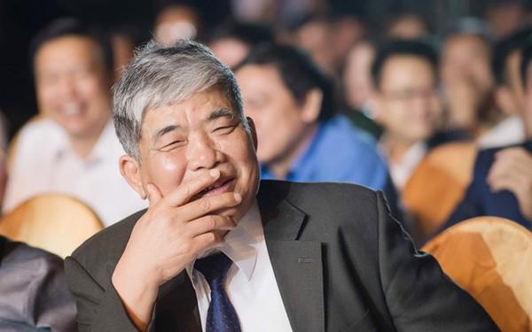 """Yêu Rolls-Royce, thích hút thuốc lào, ăn mắm tôm, đại gia Lê Thanh Thản từng tuyên bố: """"Mỗi doanh nghiệp đều có một cách bán hàng riêng, miễn sao không vi phạm pháp luật"""""""