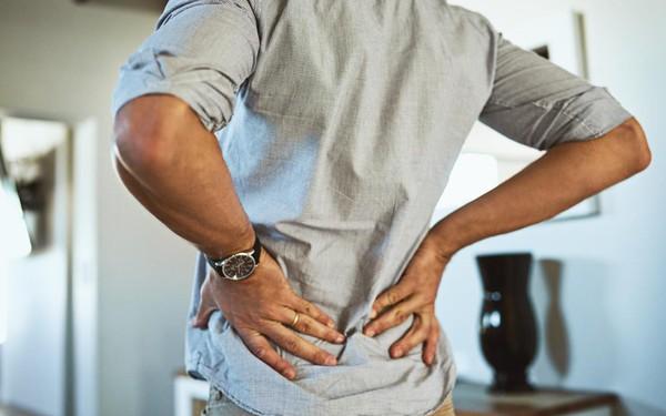 Đau lưng khi ho - tưởng không bệnh mà nhiều bệnh không tưởng