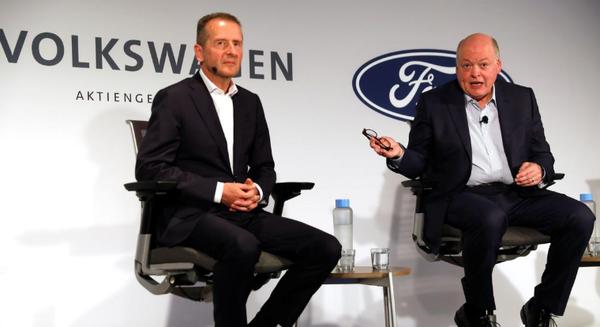 Hai đại gia Ford và Volkswagen bắt tay nhau trong cuộc đua tỉ đô sản xuất xe điện