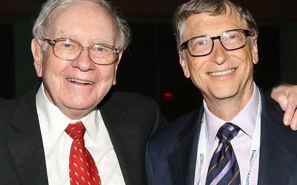 Vì sao Warren Buffett và Bill Gates cùng làm phục vụ tại một cửa hàng kem?