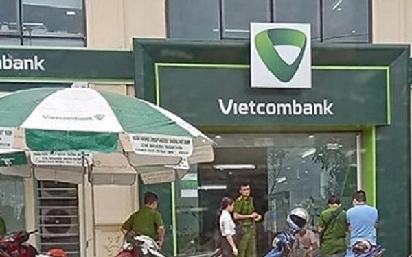 Thanh Hóa: Công an ráo riết truy tìm đối tượng hùng hổ vác súng cướp ngân hàng, bắn bảo vệ bị thương