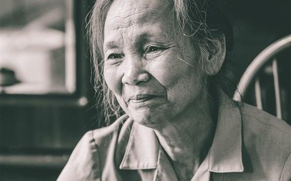"""Người vợ 30 năm tìm kiếm hài cốt chồng liệt sĩ và bức thư báo trước số phận: """"Em ơi, đừng buồn, khi được sống trong hoà bình hãy nhớ tới công anh"""""""