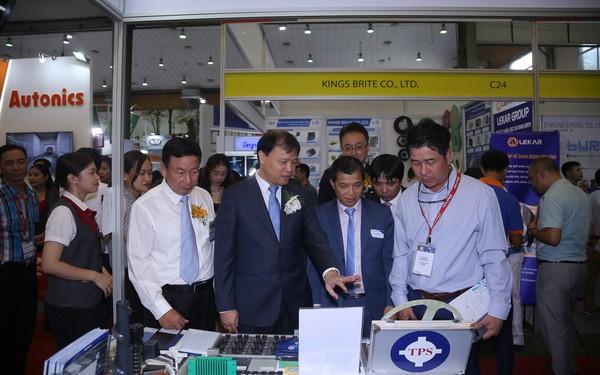 Doanh nghiệp Nhật chuộng linh kiện Việt Nam hơn Malaysia