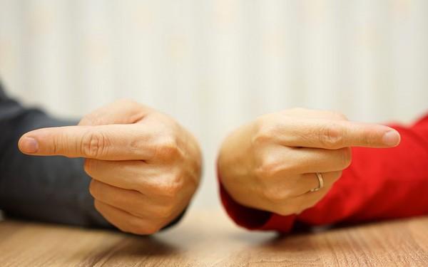 """Nguyên tắc xử lý mâu thuẫn: Đừng vội giải quyết, trước tiên hãy xác minh xung đột """"lạnh"""" hay xung đột """"nóng"""