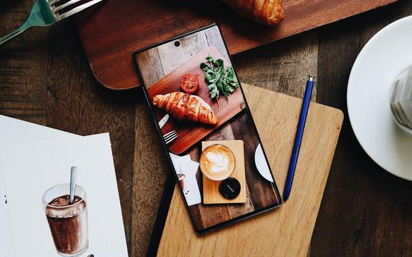 FPT Shop mở bán Galaxy Note10 và Note10+, kỷ lục hơn 9.700 đơn đặt mua trước