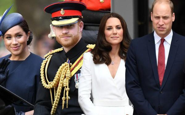 """Rạn nứt khoét sâu gia đình hoàng gia: Vợ chồng Công nương Kate cố tình tránh mặt nhà em trai Harry - Meghan sau phát ngôn gây """"chiến tranh"""""""