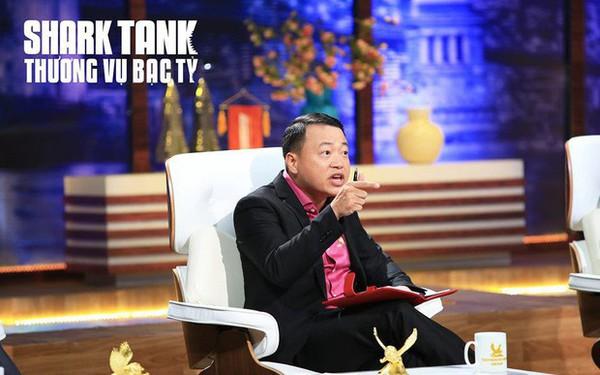 """Bị đánh giá """"quá phũ"""", shark Nguyễn Hòa Bình nhắn nhủ: Thương cho roi cho vọt! Shark Tank mồ hôi rơi, thương trường bớt đổ lệ!"""
