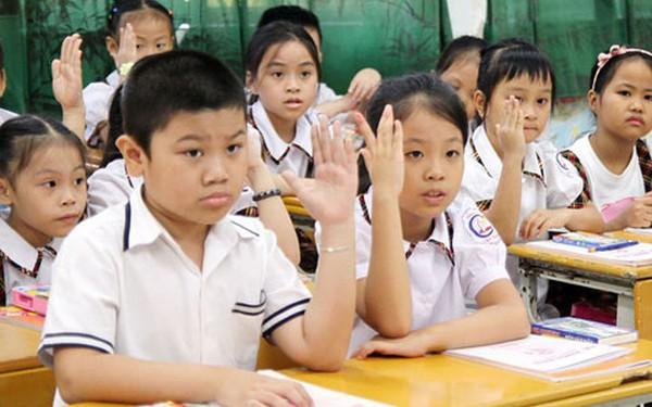 """Cô bé Tuyên Quang 10 tuổi tự sắm laptop, iPhone và kỳ vọng tìm lời giải cho bài toán """"Vì sao người Việt học giỏi mà vẫn nghèo?"""" của Shark Thủy"""