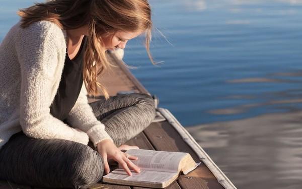 Hãy mua ngay một cuốn sách hay khi bạn nhìn thấy, bởi rất có thể bạn sẽ không có cơ hội nhìn thấy nó nữa
