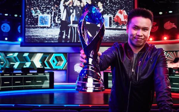 """Trong khi nhiều người vẫn mang định kiến và coi """"game là vô bổ"""" thì một chàng trai người Mỹ gốc Việt đã gây dựng nên công ty eSports lớn thứ 2 thế giới"""