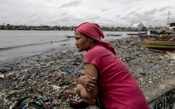 Chúng ta kêu gọi sống xanh, nhưng nghèo đói thì quan tâm thế nào được đến môi trường?