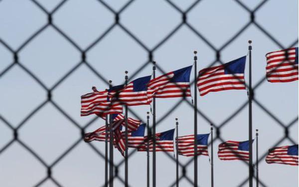 Vì sao nước Mỹ chi tới 182 tỷ USD mỗi năm cho hệ thống nhà tù dù tỷ lệ tội phạm vẫn gia tăng?