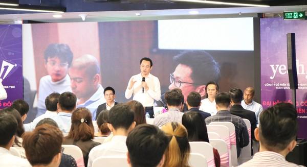 Cổ đông lớn thứ 2 Tập đoàn Yeah1 đã bán hết 3 triệu cổ phiếu, trong khi các thành viên HĐQT khác nỗ lực mua vào