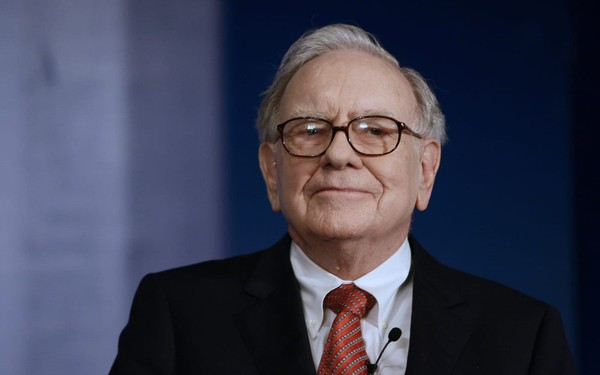 Tỷ phú Warren Buffett: Đừng chờ khi con lớn mới dạy con về tiền bạc