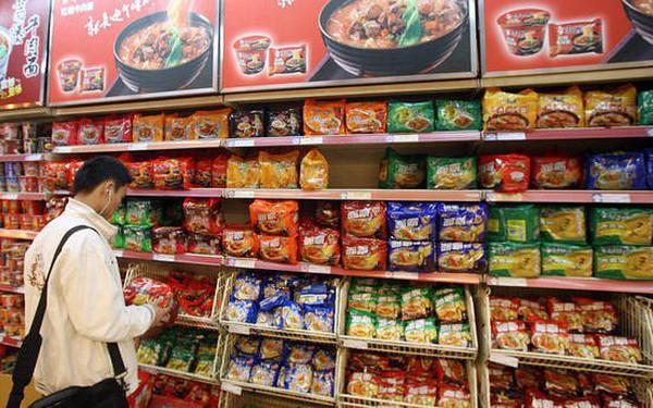 Kinh tế khó khăn, hơn 1,4 tỷ người Trung Quốc ngày càng chuộng mỳ gói