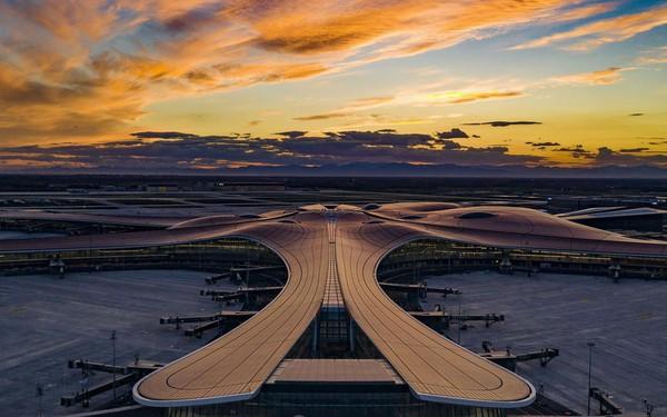 """Choáng ngợp với sân bay siêu to khổng lồ trị giá 11 tỷ USD của Trung Quốc, mang tham vọng """"nổi dậy"""" trên bầu trời nước Mỹ"""