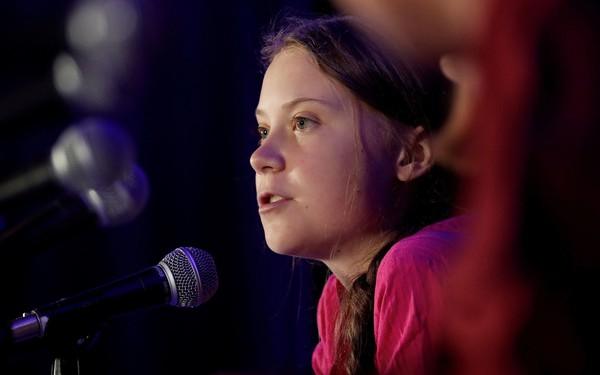 Greta Thunberg: Nữ anh hùng cứu trái đất hay sự vô tri của một đứa trẻ?