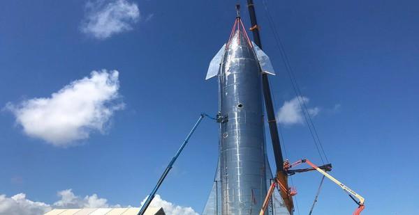 """""""Iron Man"""" Elon Musk công khai hệ thống tên lửa đẩy Starship, giấc mơ di cư lên sao Hỏa của loài người đang trở nên gần hơn?"""
