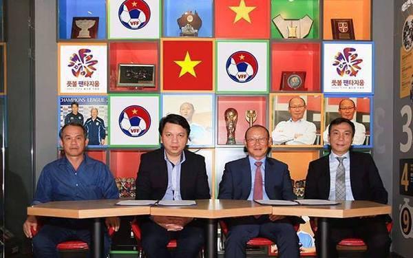 HLV Park Hang Seo và tuyển Việt Nam: Tuần trăng mật đã kết thúc?