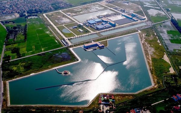 """[Inside Factory] Cận cảnh nhà máy nước 225 triệu USD của Shark Liên: Quy mô """"khủng"""" nhất miền Bắc, chỉ cần 20 người vận hành 24/7 thay vì 500 người"""