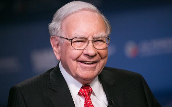 Trước khi thành tỷ phú, Warren Buffett từng làm một công việc mà không hề hỏi mức thù lao, 'cuối tháng nhận lương mới biết', lý do cực thuyết phục ai cũng nên làm theo!