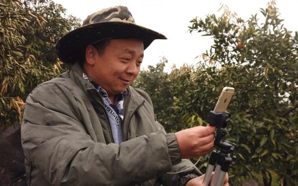 Không phải KOL, nông dân trồng rau nuôi cá mới là cái tên vàng trong làng livestream ở Trung Quốc, phát trực tiếp 1 lần bán hết 1.000 tấn cam trong 13 ngày