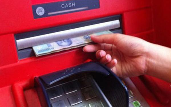 Những nguyên tắc vàng để giao dịch an toàn tại máy ATM
