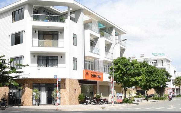 Tp.HCM: Nhà phố thương mại sôi động thời điểm giáp Tết Nguyên đán