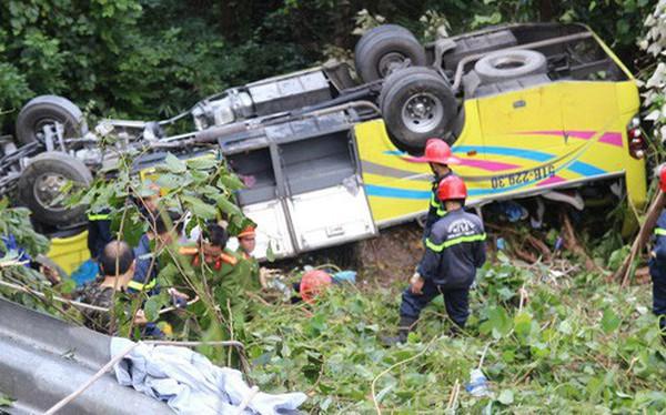 Khởi tố tài xế xe khách chở hơn 20 sinh viên lao xuống đèo Hải Vân